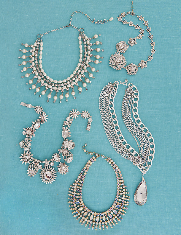 5 Ornate necklaces in silver, pear and diamond